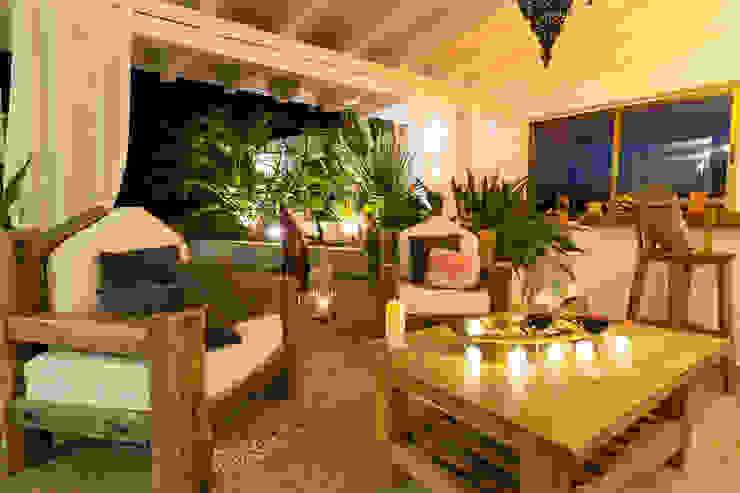 Teras oleh Home & Haus | Home Staging & Fotografía, Asia