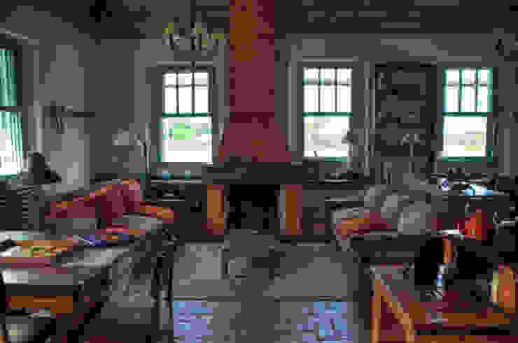 Salas / recibidores de estilo  por CABRAL Arquitetos