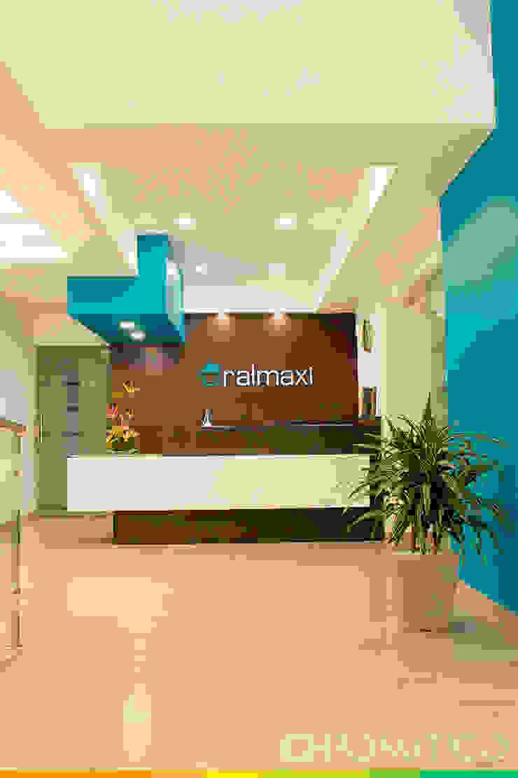 Oral Maxi – Clínica Maxilofacial Casas modernas de Chromatico Arquitectura Moderno