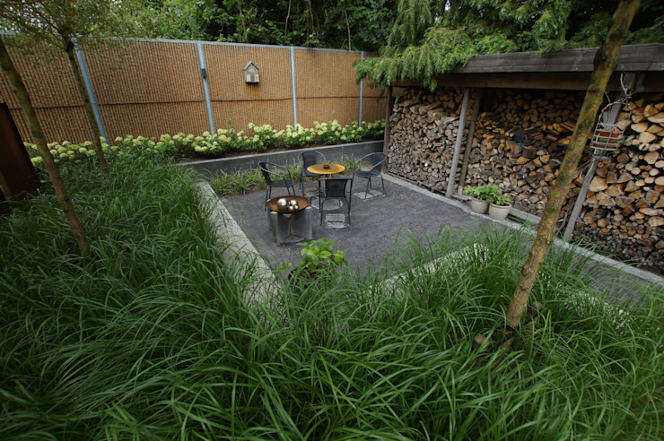 Industrial style gardens by BMT Industrial
