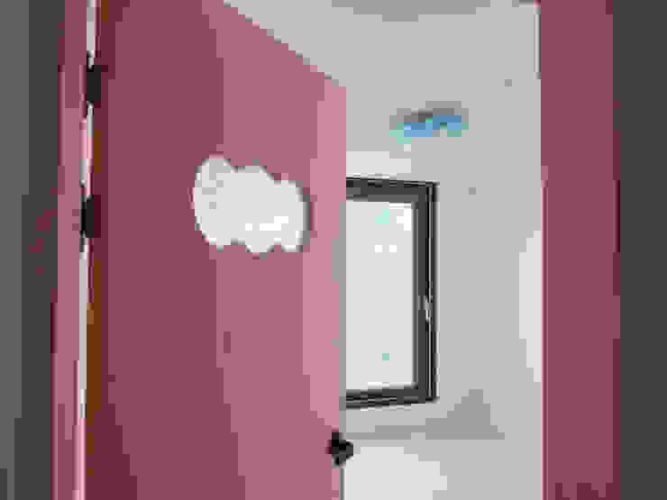 미사강변도시 아파트 신혼부부 20평 인테리어 모던스타일 미디어 룸 by 마당디자인 / MADANGDESIGN 모던
