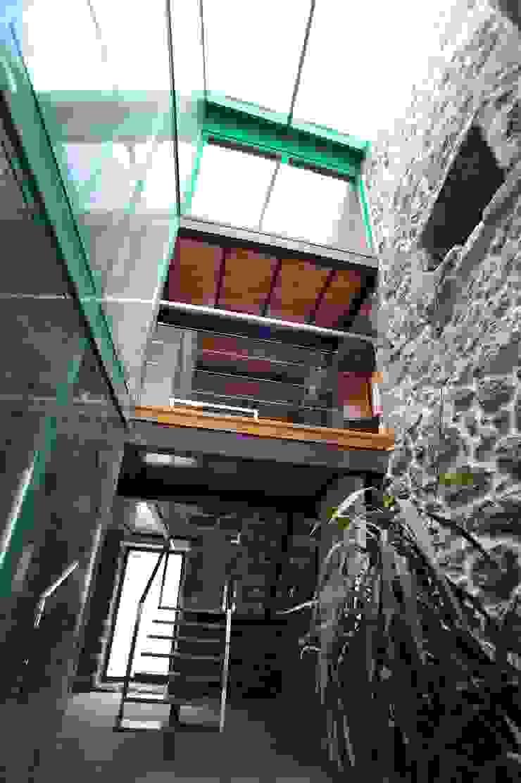 by Anxo Sánchez, arquitecto Сучасний Камінь