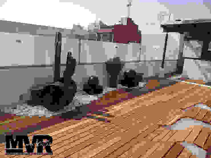 Varandas, alpendres e terraços modernos por MVR ARQUITECTOS Estudio de Diseño y Arquitectura Moderno