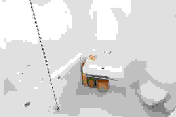 ブルースタジオ 水まわりはドイツ製品をそろえて一新 株式会社ブルースタジオ モダンスタイルの お風呂
