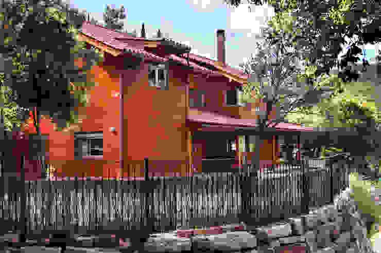 Деревянные дома в . Автор – Rusticasa,
