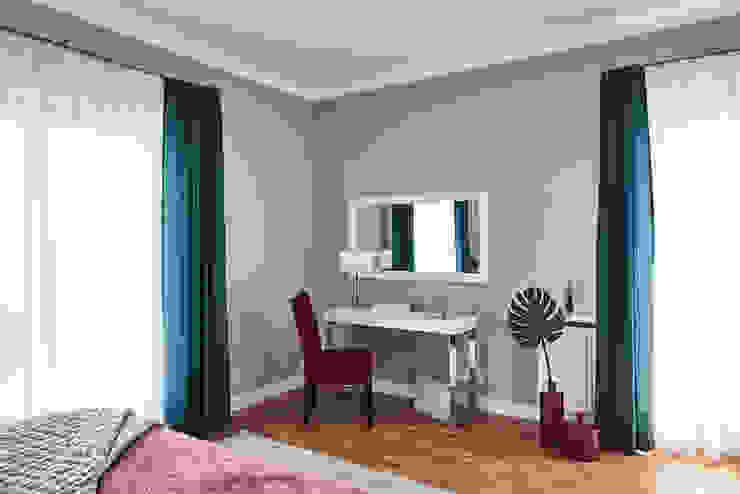 Camera da letto in stile  di Mhomestudio