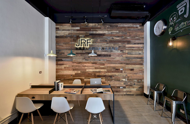 by 理絲室內設計有限公司 Ris Interior Design Co., Ltd. Industrial