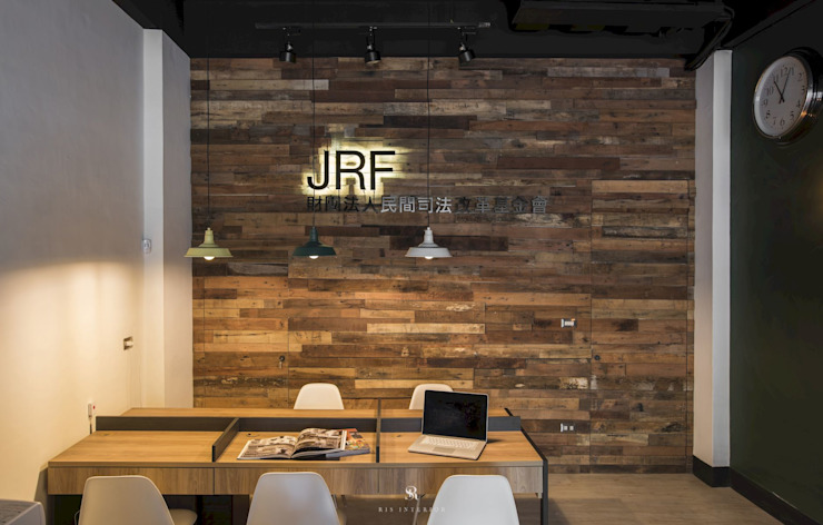 de estilo industrial de 理絲室內設計有限公司 Ris Interior Design Co., Ltd., Industrial