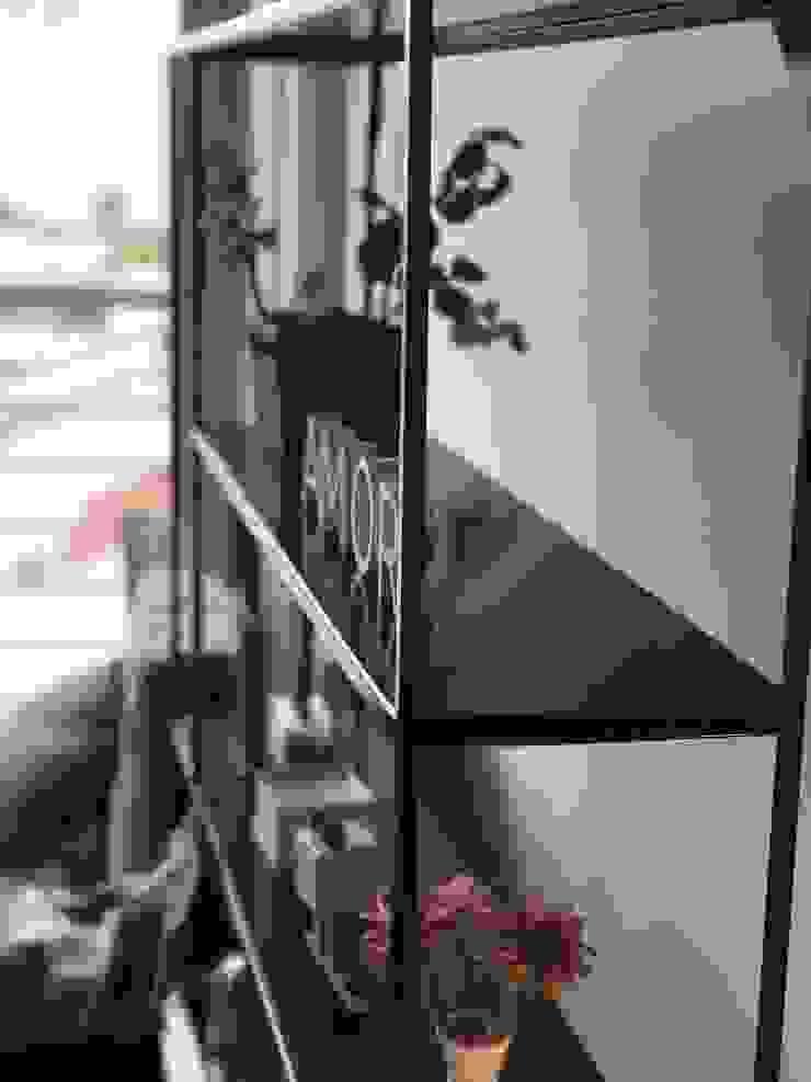 MODULAR: minimalist tarz , Minimalist Demir/Çelik
