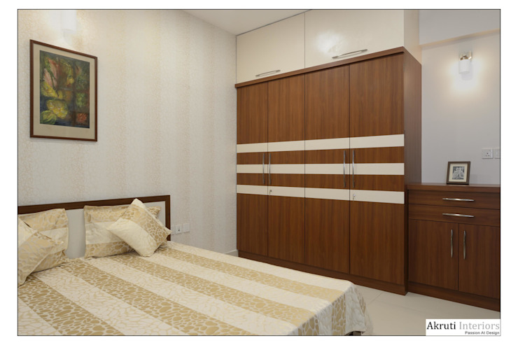 Parents Bed: modern  by Akruti Interiors Pune,Modern Plywood