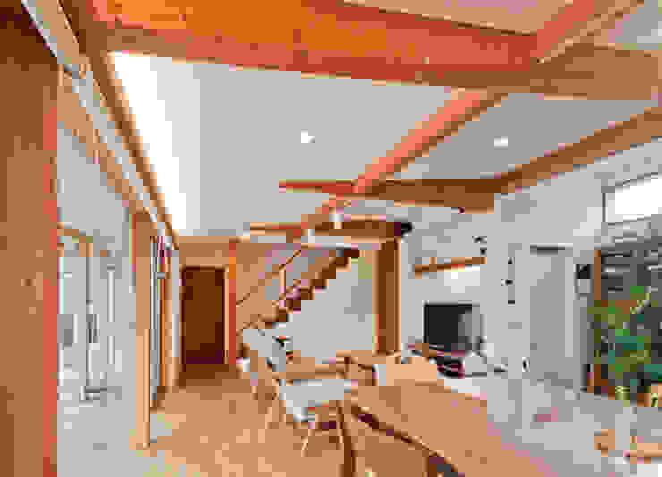 Scandinavian style living room by FrameWork設計事務所 Scandinavian