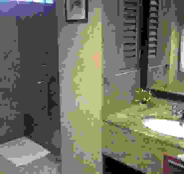 DNA Inc. Moderne Badezimmer Granit Beige
