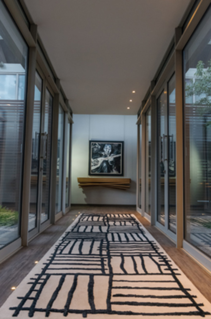 Southdowns Modern Corridor, Hallway and Staircase by Full Circle Design Modern