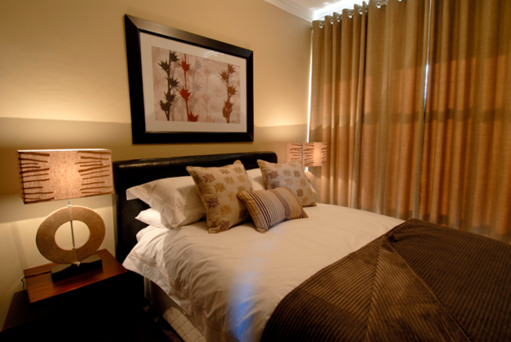 Nondela 2:  Bedroom by Full Circle Design, Eclectic