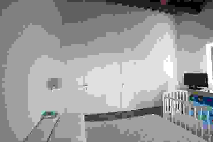 Rustic style bedroom by Falegnameria Grelli Danilo Rustic