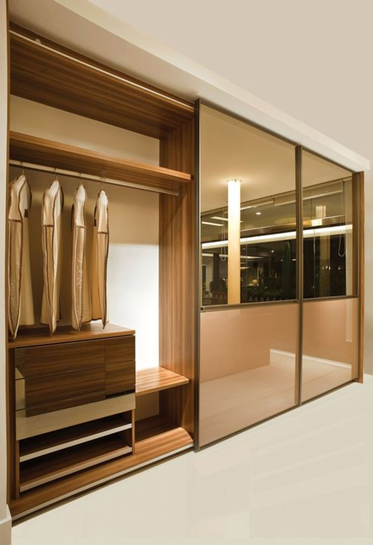 INTERIOR FLAT Modern dressing room by Archie-Core Modern