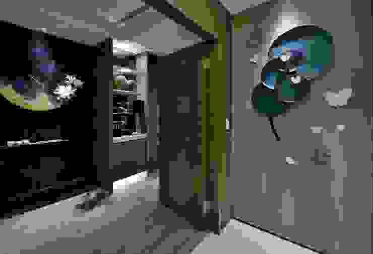 Posamo Garage 隨意取材風玄關、階梯與走廊 根據 POSAMO十邑設計 隨意取材風 木頭 Wood effect