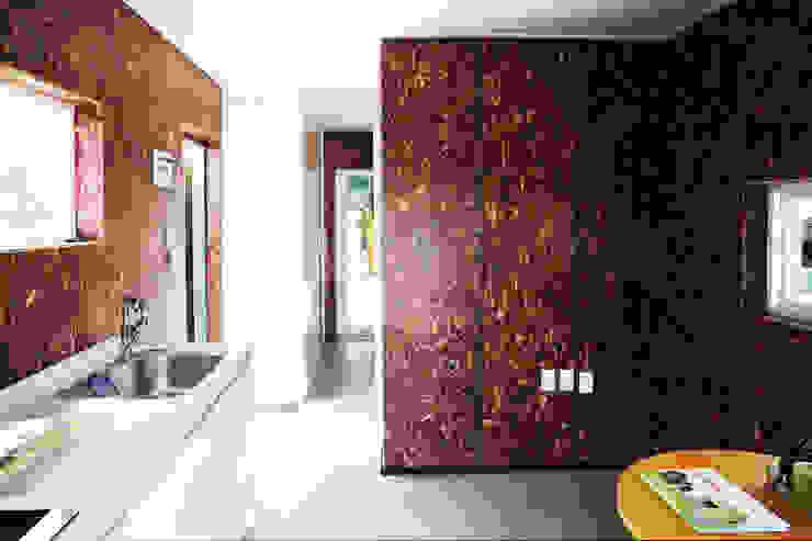 1억대로 짓는 고단열 프리패브 소형주택 모던스타일 거실 by 공간제작소(주) 모던