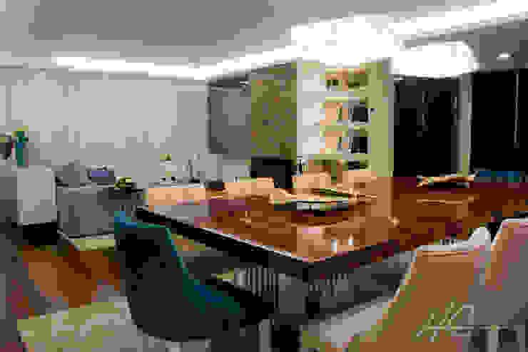 Grupo HC Modern dining room