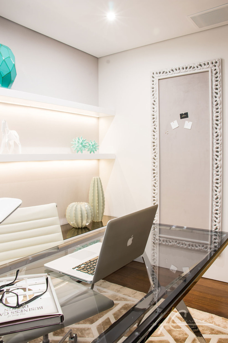 Grupo HC Modern style study/office