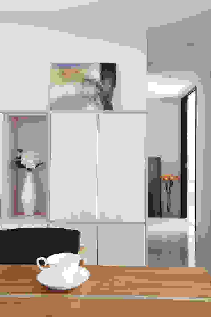 Oficinas de estilo moderno de 築一國際室內裝修有限公司 Moderno