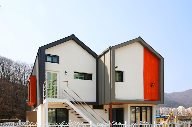 경북 경산 쌍둥이 박공지붕 이층집 모던스타일 주택 by 한글주택(주) 모던