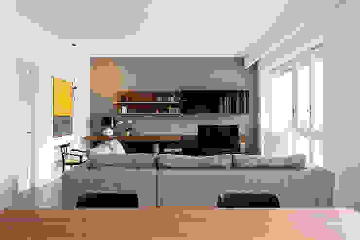 Salas modernas de Archifacturing Moderno