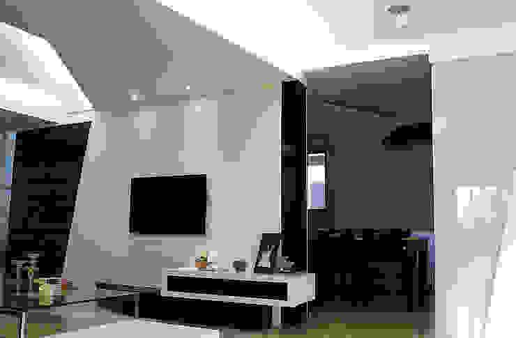 Coigne 现代客厅設計點子、靈感 & 圖片 根據 築一國際室內裝修有限公司 現代風