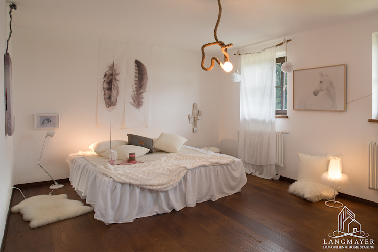 Langmayer Immobilien & Home Staging Dormitorios infantiles de estilo rural
