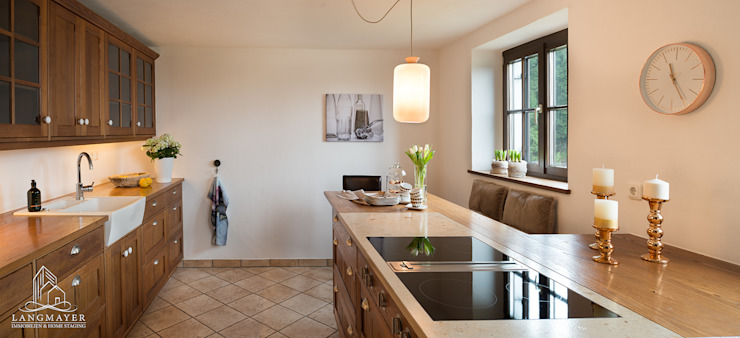 Langmayer Immobilien & Home Staging Cocinas de estilo rural