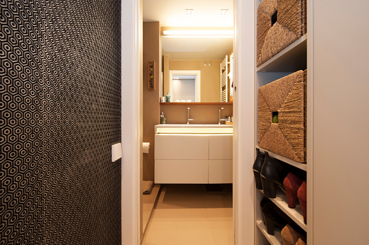 Modern dressing room by Sincro Modern