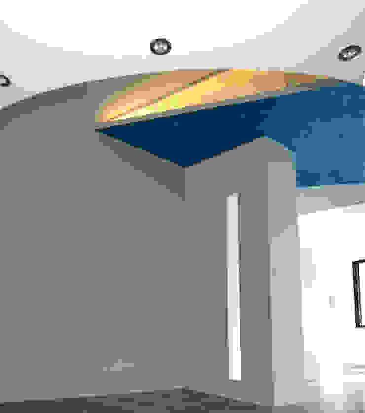 Livings modernos: Ideas, imágenes y decoración de Pecoramelloarchitetti Moderno