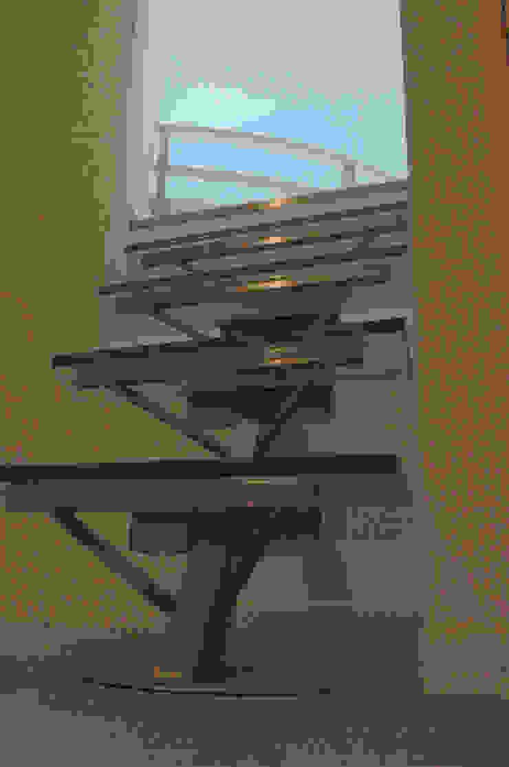 Dormitorios modernos: Ideas, imágenes y decoración de Pecoramelloarchitetti Moderno
