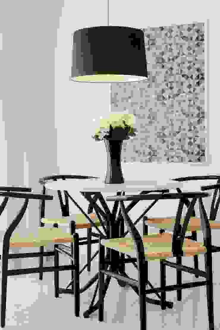 Amanda Carvalho - arquitetura e interiores Dining roomChairs & benches