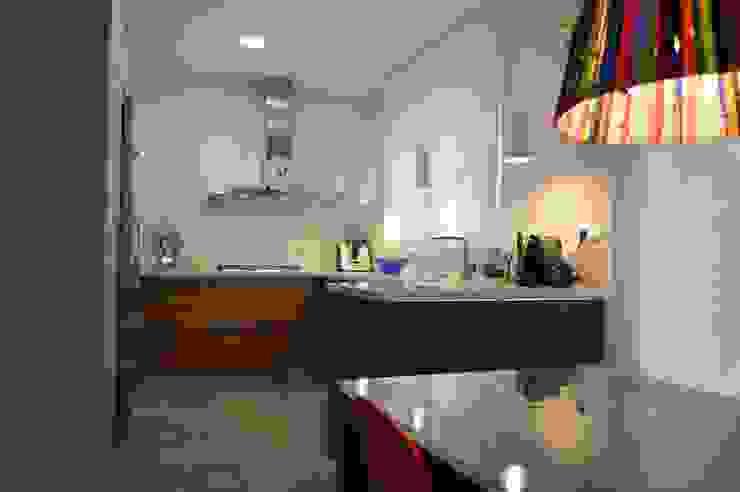 Upper Design by Fernandez Architecture Firm Kitchen