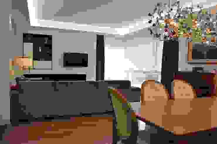 Upper Design by Fernandez Architecture Firm Living room