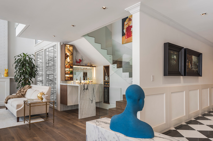 Klasyczny korytarz, przedpokój i schody od MAAD arquitectura y diseño Klasyczny