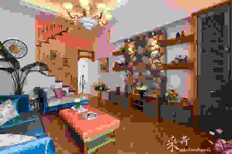西班牙鄉村風格-透天別墅 根據 采荷設計(Color-Lotus Design) 鄉村風 實木 Multicolored