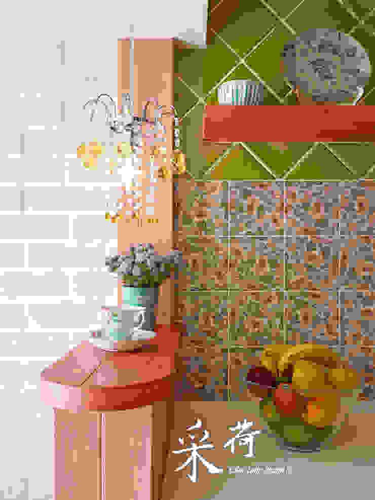 美式鄉村風-小坪數夾層屋:  國家  by 采荷設計(Color-Lotus Design), 鄉村風 磁磚