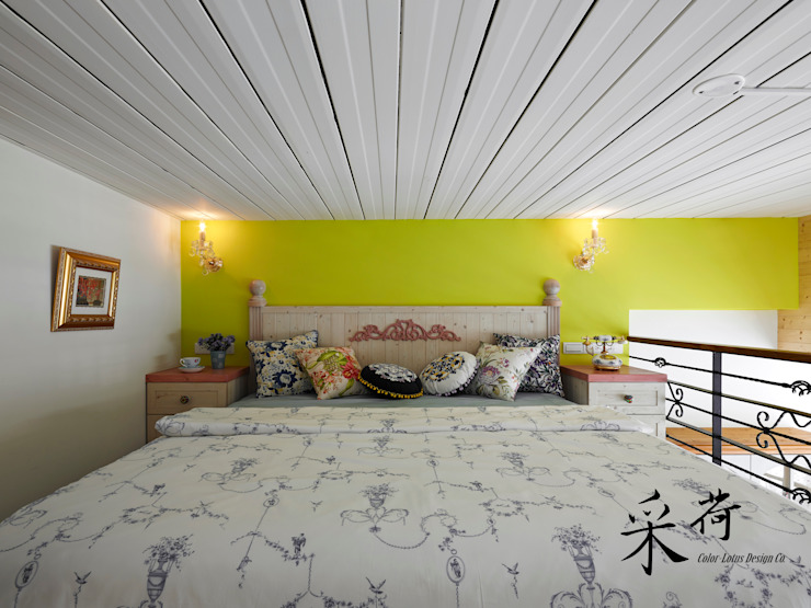 美式鄉村風-小坪數夾層屋 根據 采荷設計(Color-Lotus Design) 鄉村風 實木 Multicolored