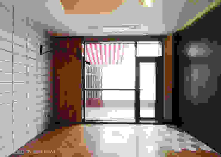 일산 요진와이시티 펜트하우스 모던스타일 거실 by 바이올렛스타일 모던