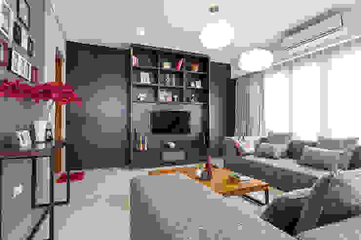 现代客厅設計點子、靈感 & 圖片 根據 homify 現代風 木頭 Wood effect