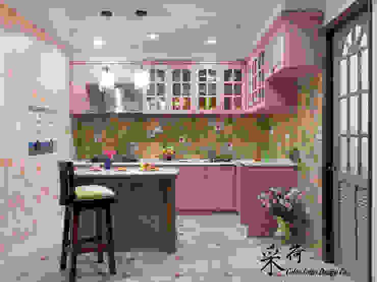 Color-Lotus Design Cocinas de estilo rural Madera maciza Morado/Violeta