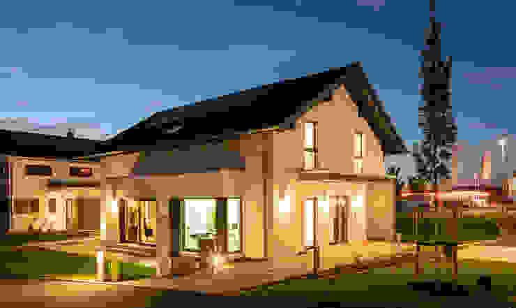 NEO - Modernes Einfamilienhaus mit Erker und überdachtem Eingangsbereich FingerHaus GmbH - Bauunternehmen in Frankenberg (Eder) Fertighaus