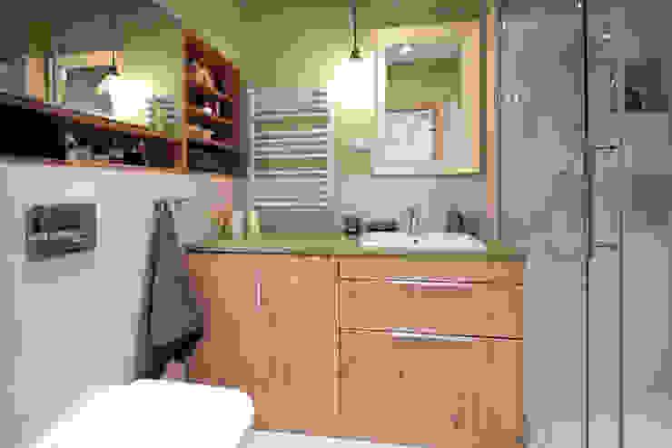 Modern Bathroom by IDAFO projektowanie wnętrz i wykończenie Modern