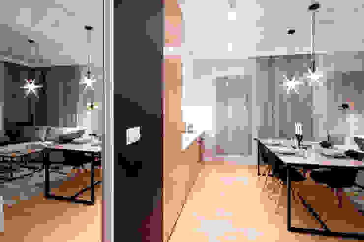 Modern Corridor, Hallway and Staircase by IDAFO projektowanie wnętrz i wykończenie Modern