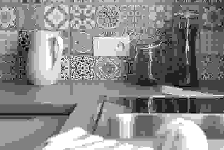 Moderne Küchen von IDAFO projektowanie wnętrz i wykończenie Modern