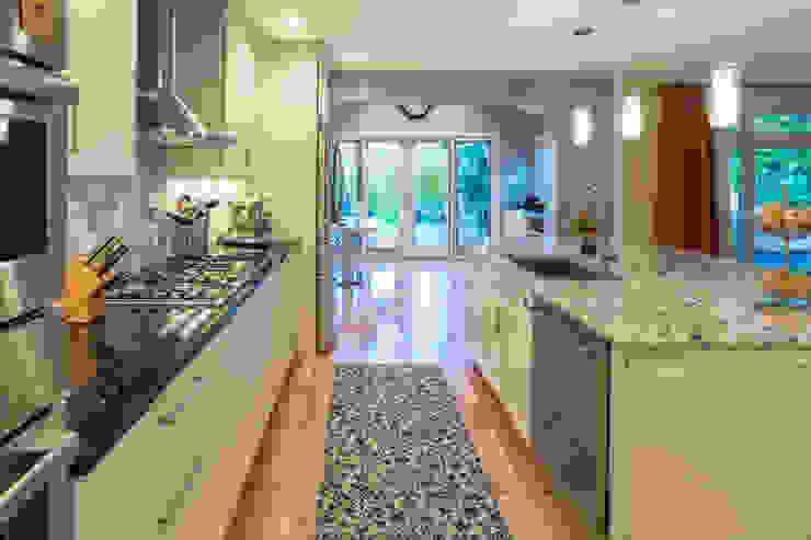 White Shaker Kitchen with Island by Main Line Kitchen Design Classic Granite