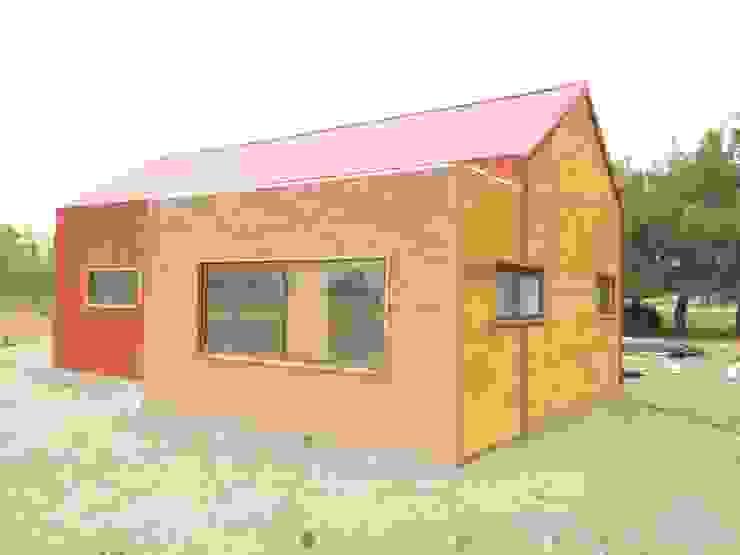 Vivienda prefabricada 52 m2. Casas de estilo industrial de BillaniniArquitectos Industrial