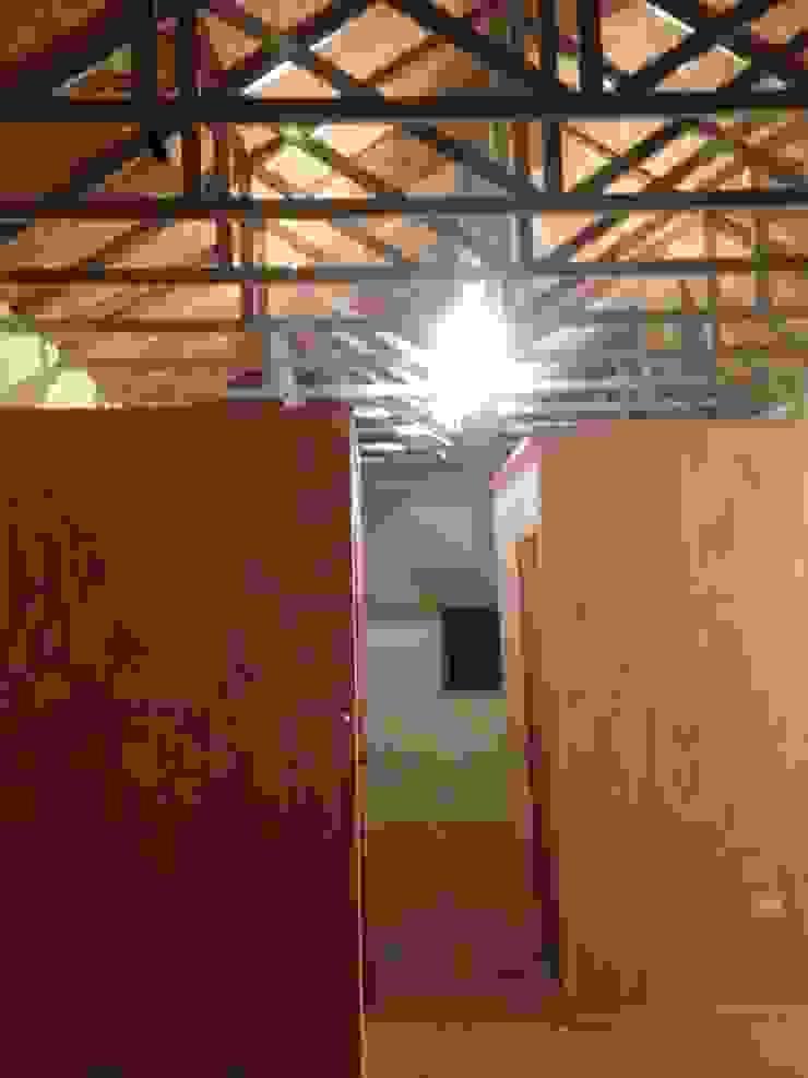 Vivienda Prefabricada 48 m2 Casas de estilo industrial de Angular Arquitectos Industrial